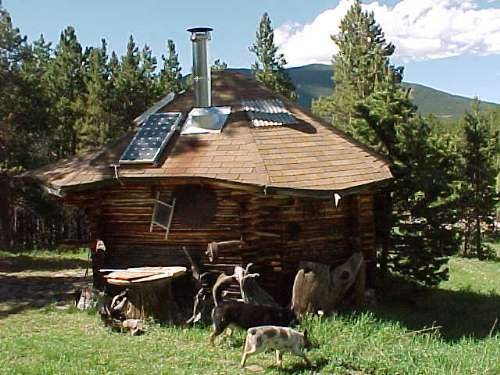Ordinaire Cabin With Solar Panel